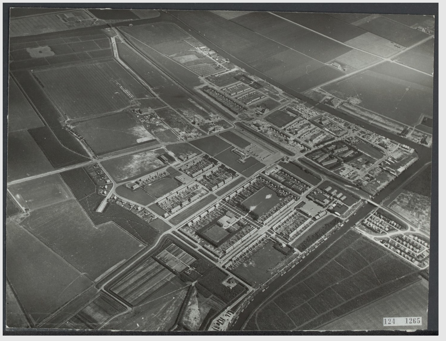 luchtfoto - Emmeloord-1951.png
